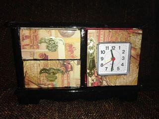 Joyero de madera ,con reloj ,nuevo