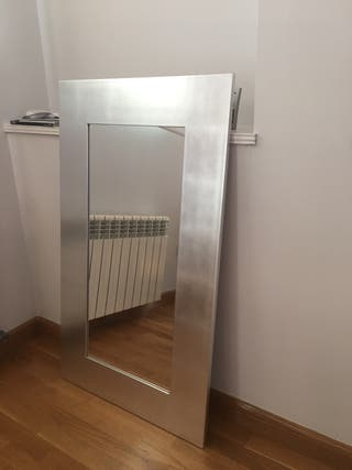 Precioso espejo color plata