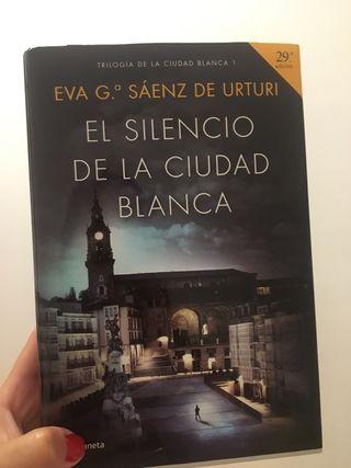 Excelente libro El silencio de la ciudad blanca