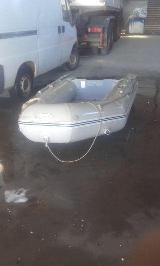 barca tipo zodiak