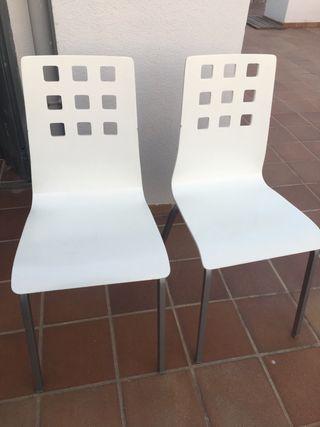 Dos sillas diseño para cocina.