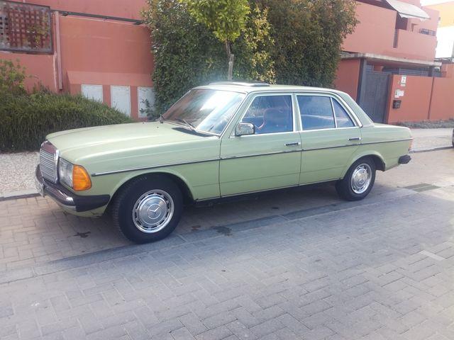 Mercedes-Benz 200D W123 1979