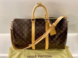 Maleta Louis Vuitton modelo Keepall bandolera