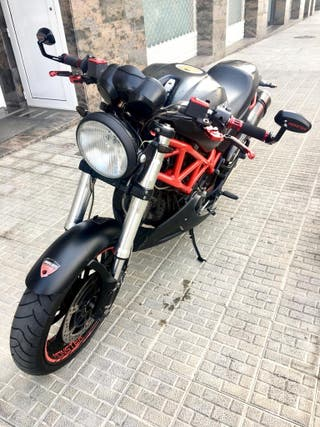 DUCATI MONSTER 695 Black Edition