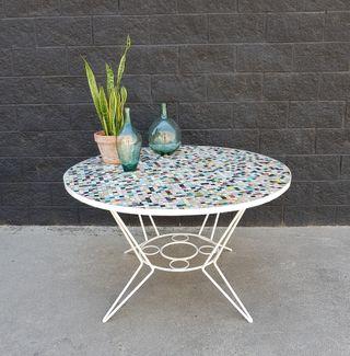 Mesa Ø120cm con mosaico de gresite. Vintage 60s.