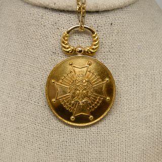 Medalla Cruz de Águila, oro de 18k