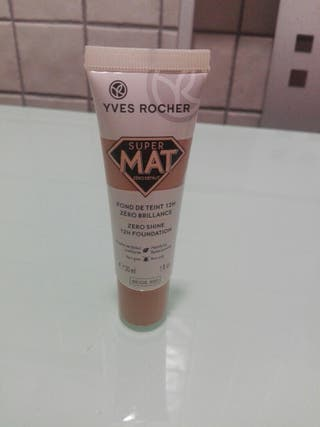 base de maquillaje super mate yves rocher tono 300