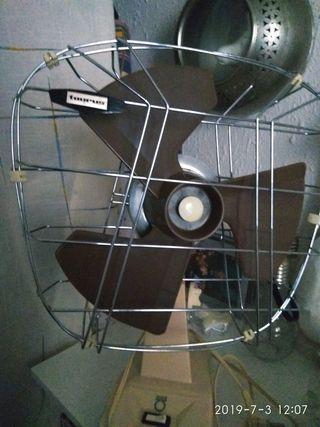 ventilador antiguo, marca Taurus