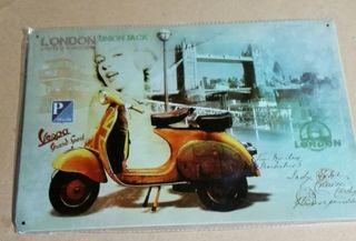 Cartel moto Vespa y Marylin