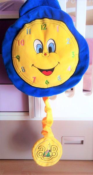 Reloj de pared peluche infantil