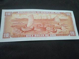 Antiguo billete 10 soles peruano.