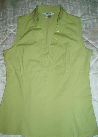 Camisa Zara nueva tipo polo. verde