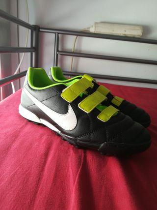 Botas de Fútbol Nike Niño