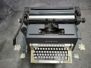 Máquina Olivetti linea 98
