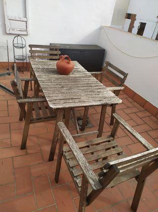 Mesa de Ikea terraza con 4 sillas amplias