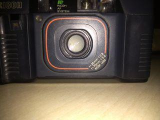 cámara de fotos RICOH con doble zum 35py 70 mm.