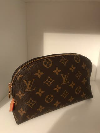 Louis Vuitton cosmetic case GM