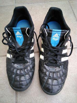 Bota multitaco Adidas talla 44 de segunda mano por 27 € en