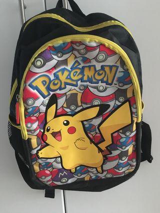 Mochila escolar pokemon