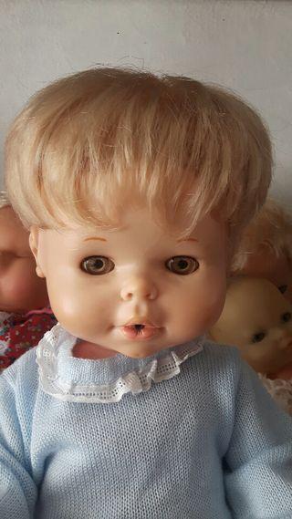 muñeco antiguo de famosa