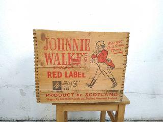 Caja antigua Johnnie Walker