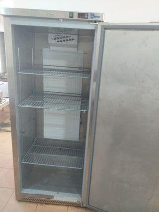 Cámara frigorífica grande.