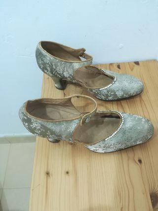 zapatos de època
