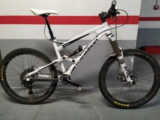 Bicicleta Enduro MTB