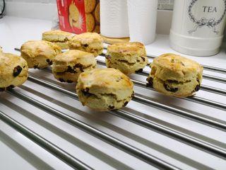 English scones 4 euros for 4 home made