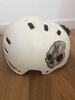 Casco patinete / skate 58-61 cm