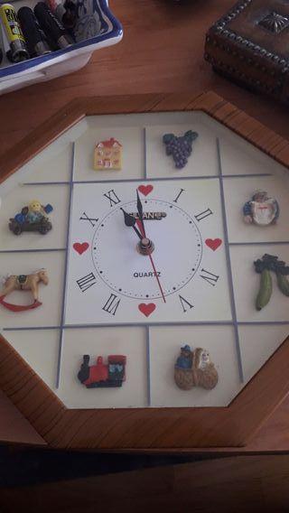 Reloj animado con sonido