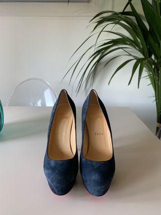 Zapatos Louboutin azul ante