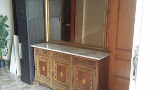 recibidor antiguo tallado con su espejo