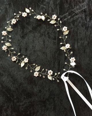 Muy fina Tiara Floral Artesanal a medida