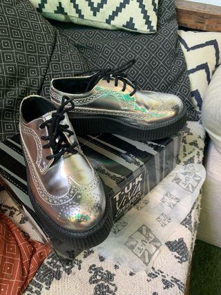 Zapatos creepers marca tuk. Nuevos de segunda mano por 60