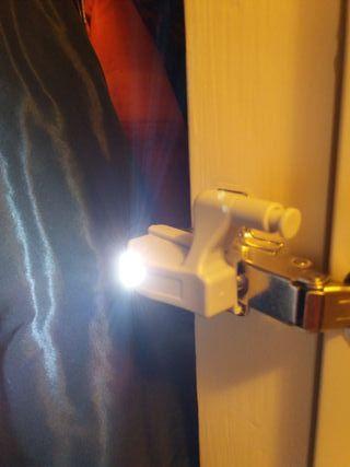 llum per frontisses armaris