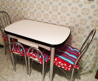 Mesa comedor cocina + sillas