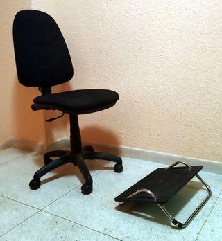 Silla de escritorio y reposapiés