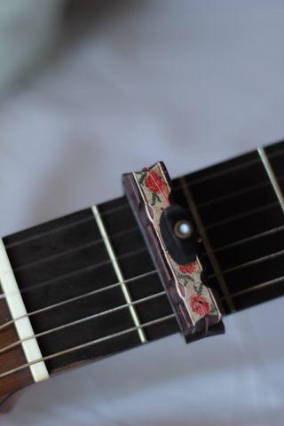 Cejilla de Rosas para guitarra - OFERTA