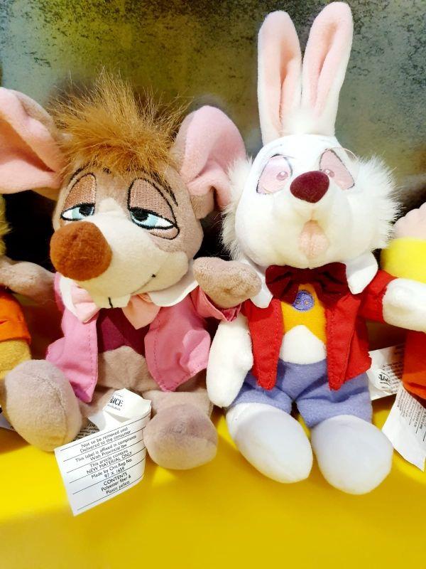 Disney Alice in wonderland vintage.