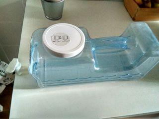 Dispensador de agua con grifo