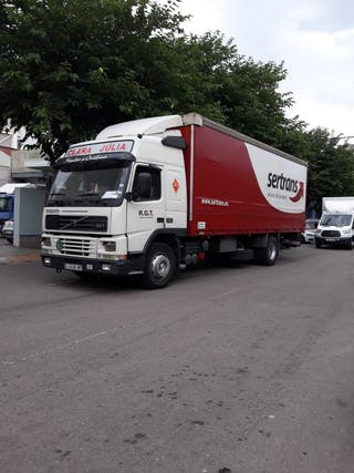 Camión Volvo modelo FM290