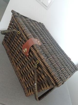 cesta mimbre picnic y regalo