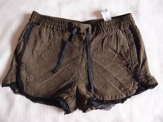 Short con puntilla Zara Talla S