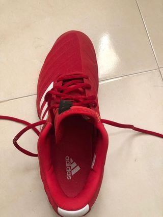 zapatillas de padel Adidas.