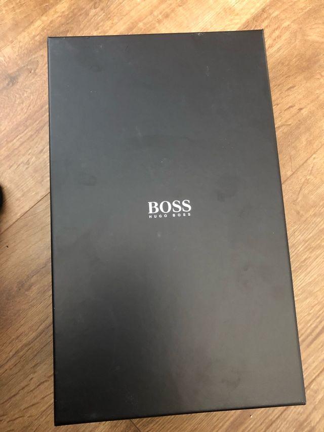 Black Hugo boss trainers