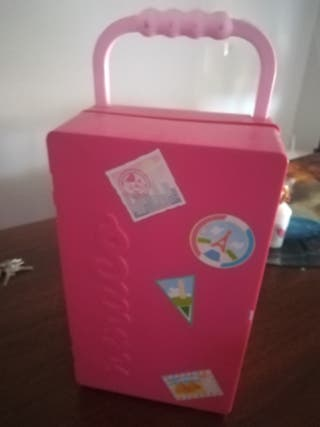 armario de viaje barbie