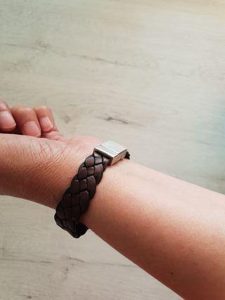 Pulsera de piel con dibujo trenzado