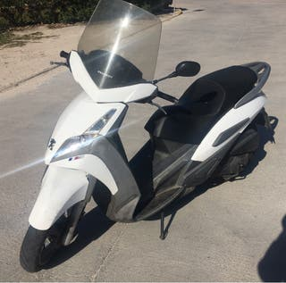 Scooter Peugeot 125