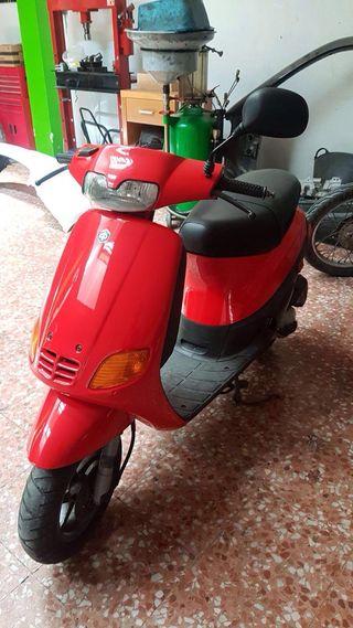 Moto Piaggio Zip 49cc.